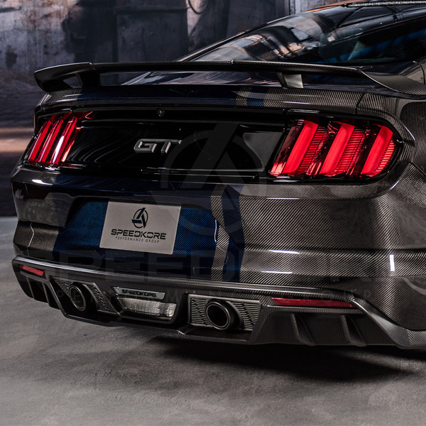 speedkore carbon fiber ford mustang carbon fiber rear diffuser close view